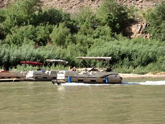 Grand Canyon - Barco no Rio Colorado
