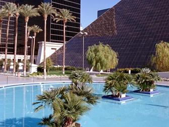 Hotel Luxor em Las Vegas - Piscina