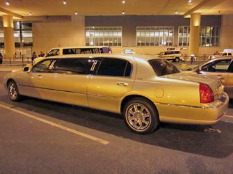 Transporte do e para o aeroporto de Las Vegas - Limusine no aeroporto