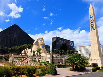 Ônibus Turístico Big Bus em Las Vegas - Luxor Hotel